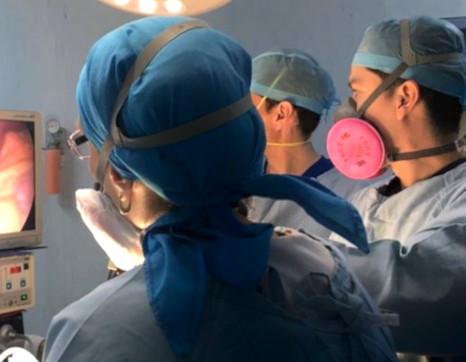 Dr Ceja in procedure